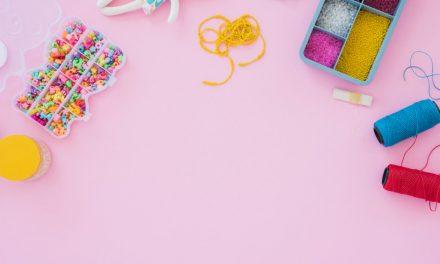 Własnoręczne wykonanie bransoletki – od czego zacząć? Bransoletka z koralików krok po kroku